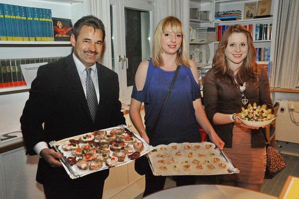 Günther Just, Stefanie & Carolin Gehrmann mit dem Kulinarischen – danke!