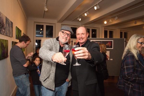 Fotofreunde beim Sekttrinken: Norbert & Norbert