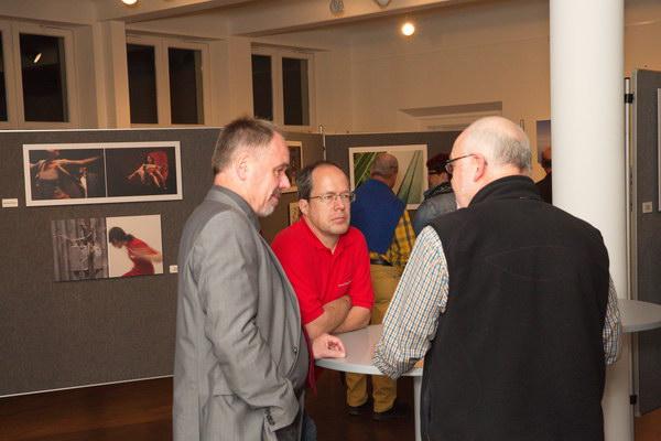 Drei Fotografen am runden Tisch: Elmar - Thomas - Toni.