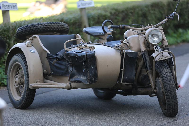 BMW 75 - Bj.  1941, 26 PS, 750ccm, mit Seitenwagenantrieb, 4 Vorwärts-, 1 Rückwärtsgang, Geländeuntersetzung, manuelle Differentialsperre.