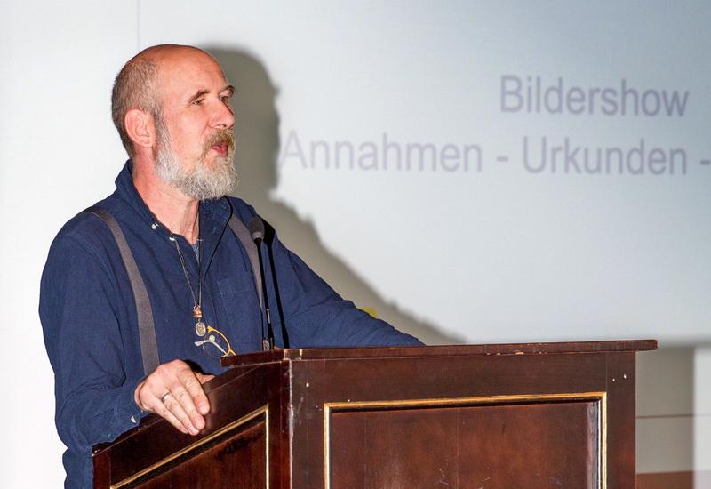 Wolfgang Seiffert, Bezirksleiter Schwaben, eröffnet die Preisverleihung